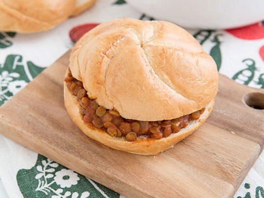 14 vegetarian dinner recipes to try tonight readers digest sloppy lentils forumfinder Gallery