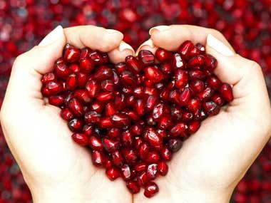 Pomegranates lower cholesterol levels