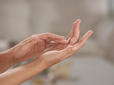 Chia seeds moisturize the skin