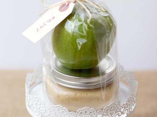 teachers gifts apples caramel