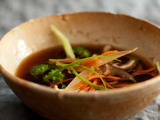 6 true food kitchen recipes from andrew weil md readers digest immunity soup forumfinder Images