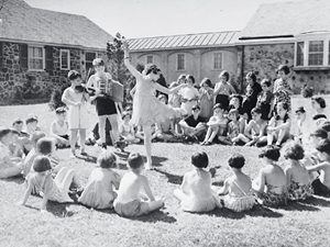 dancing in circle