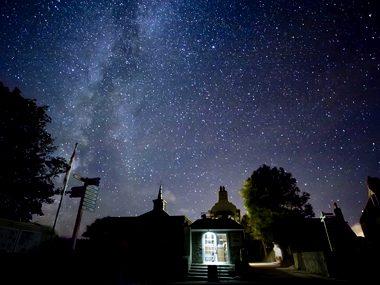 An island devoted to star gazers