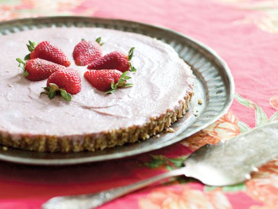 Creamy Strawberry Ice Cream Torte
