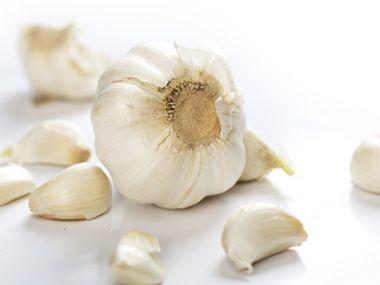 5 surprising benefits of garlic - Surprising uses for garlic ...
