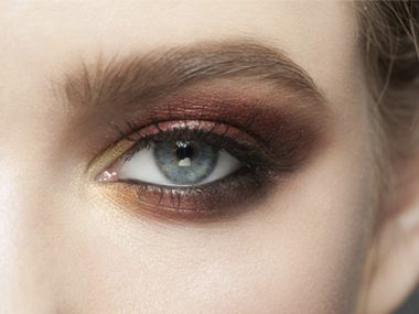 To accentuate your eyes, choose a shadow color that complements your eye color.