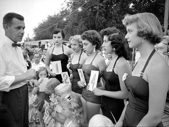 1954: Swimsuit competition