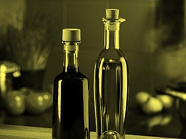 Castor Oil and Apple Cider Vinegar