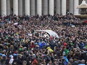 pope francis in a crowd
