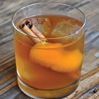 5 Refreshing Cocktails That Taste Like Fall