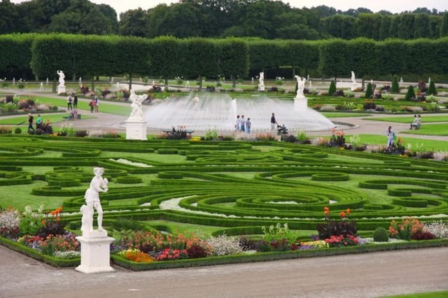 13-harrenhausen-the-worlds-15-most-unforgettable-royal-gardens-362932409-Vladimir-Mucibabic