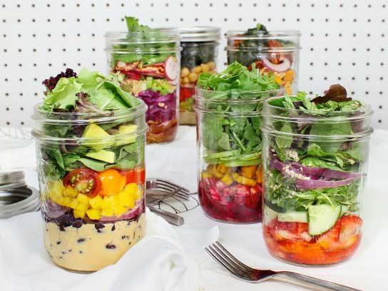 6 Pretty, Healthy Mason Jar Salad Recipes