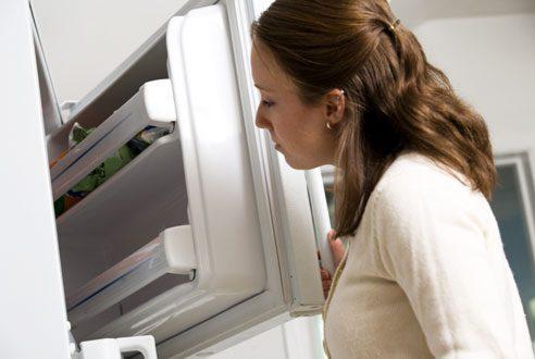 Deodorize a freezer.
