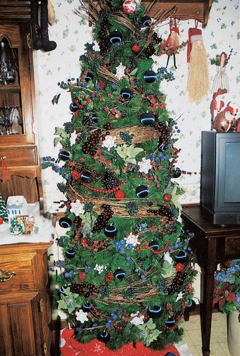 5 Christmas Tree Decorating Ideas Reader 39 S Digest