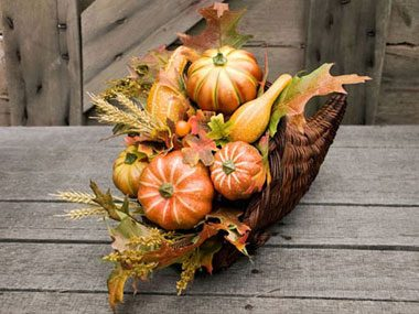 5 Quick Ways to Decorate Your Thanksgiving Table
