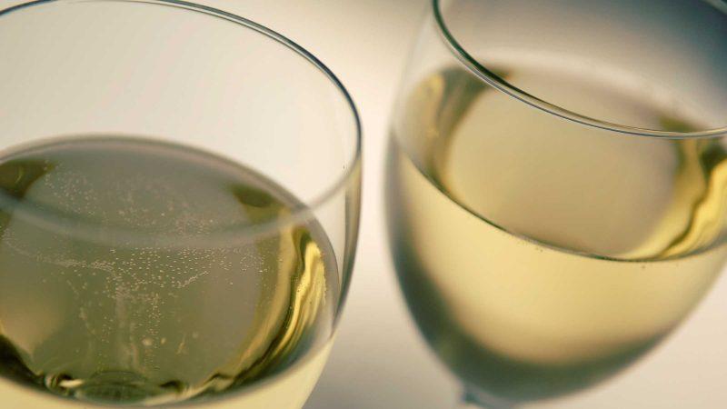 holiday eating habits white wine