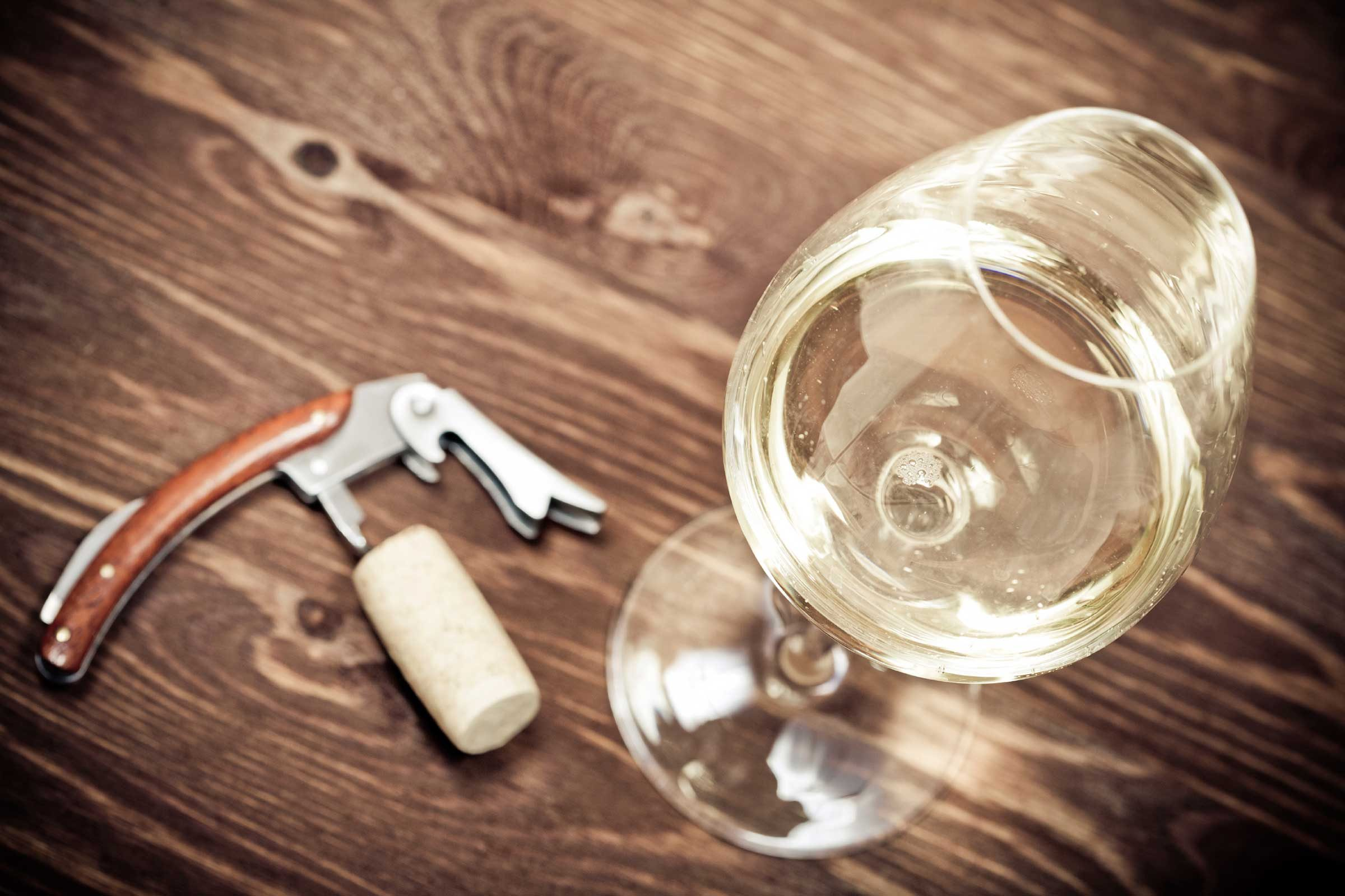 White wine: 121 calories per glass