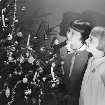 5 True, Old-Fashioned Christmas Miracles That Will Restore Your Hope for the Holidays