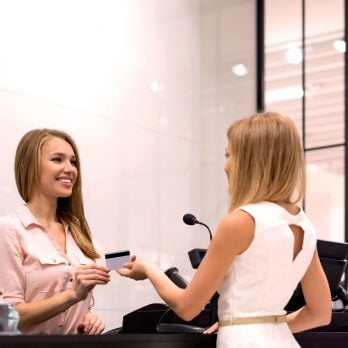 13 Things Your Mall Salesperson Won't Tell You