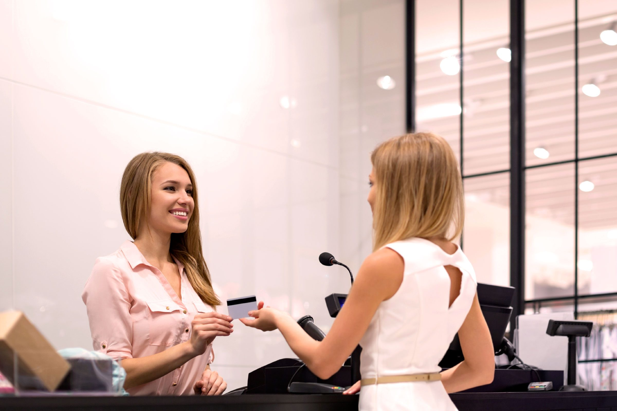 13 things mall salesperson poor customer service