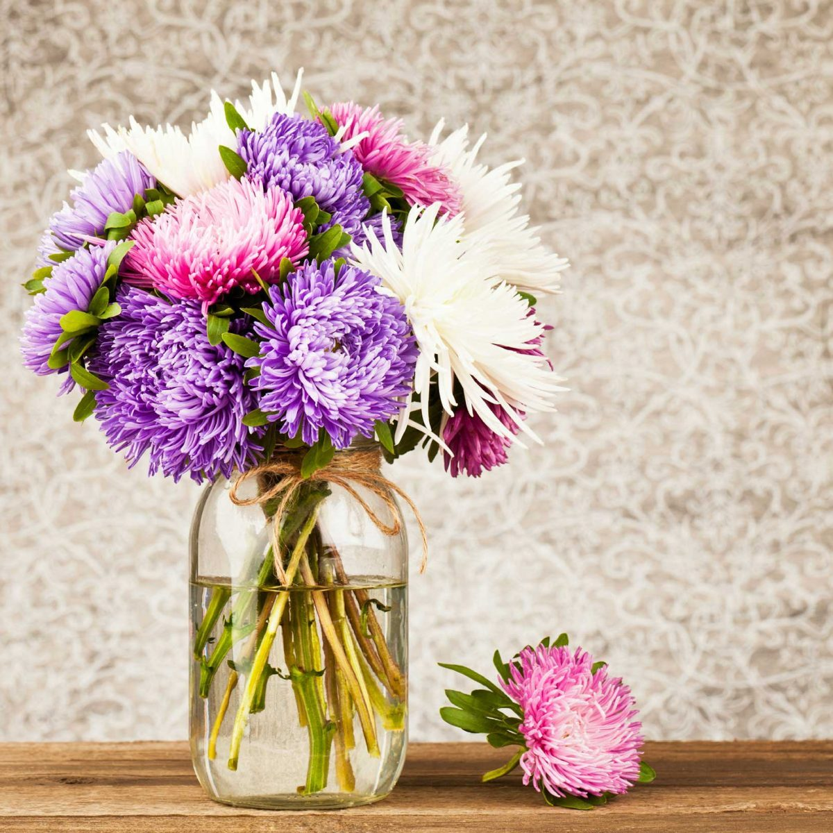 796ca0e5c338 26 Things Your Florist Won't Tell You | Reader's Digest