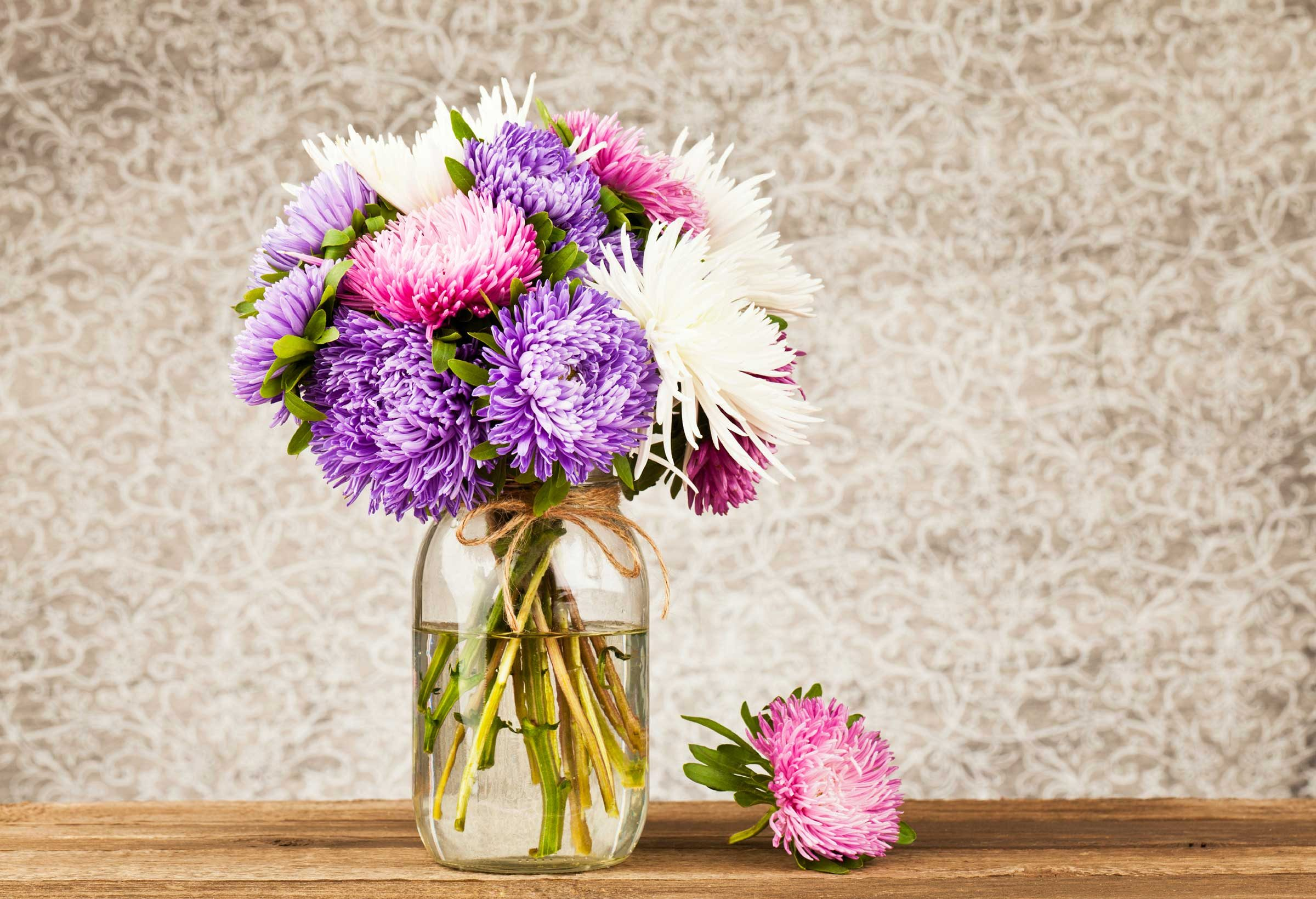 26 things your florist wont tell you readers digest the trick to making flowers last izmirmasajfo