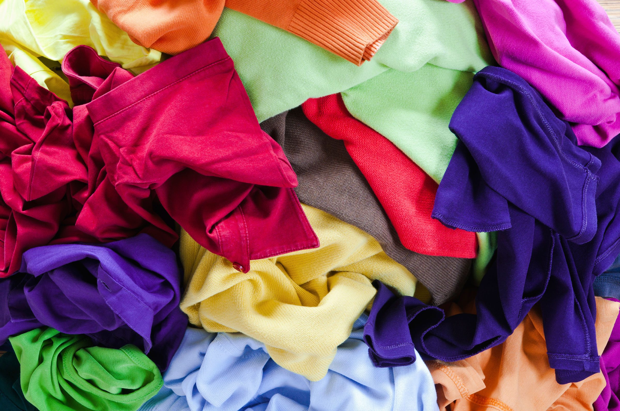 Organizing Shirts In Closet Organize Your Closet 9 Rules For What To Keep Reader S
