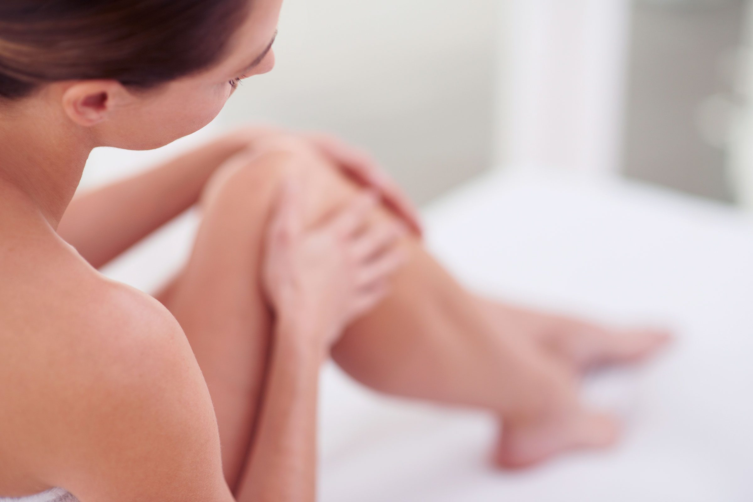 garlic benefits 13 health beauty amp home uses reader s