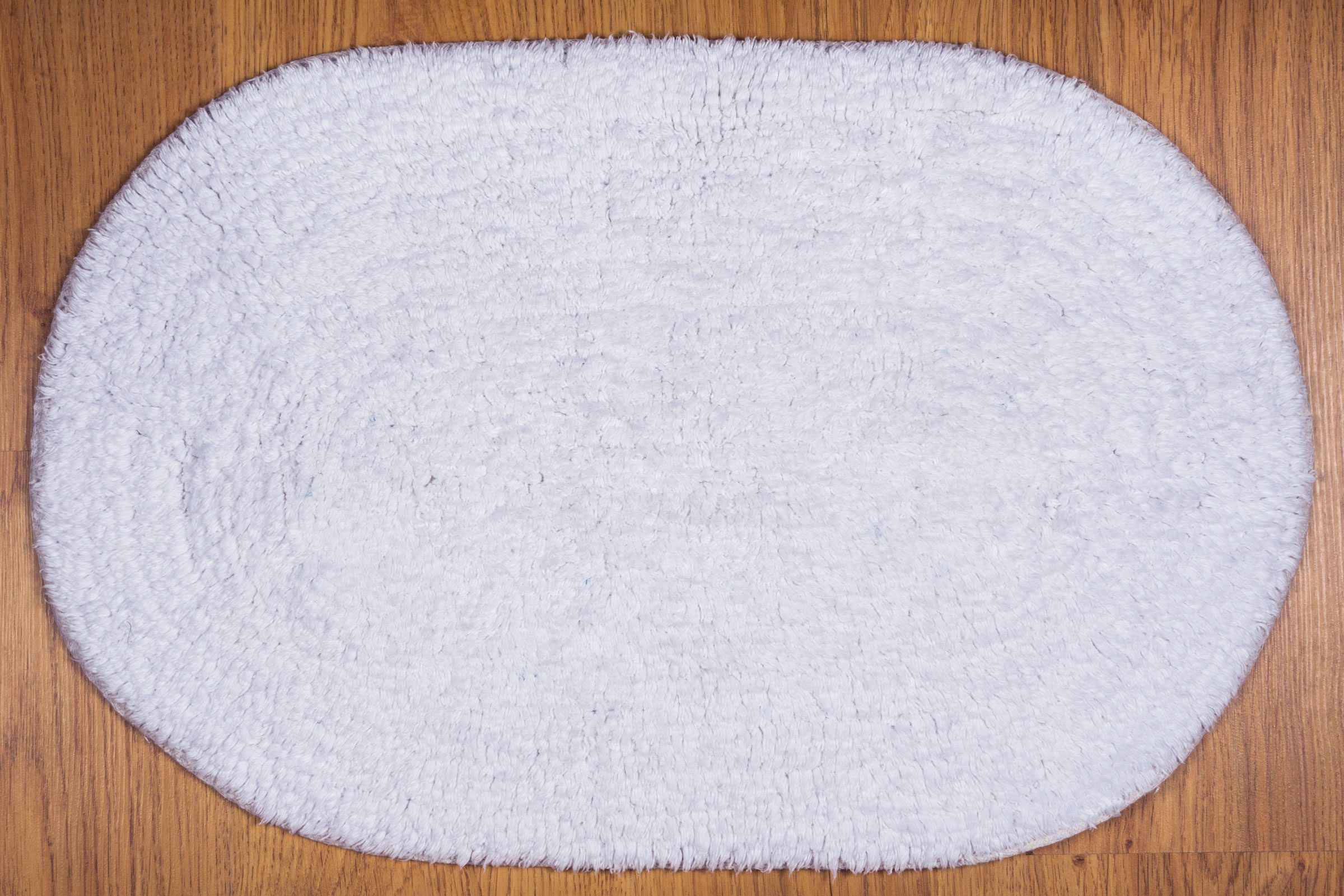 Vacuuming Bathroom Mats Is A Nightmare Simple Housecleaning Tricks Reader S Digest
