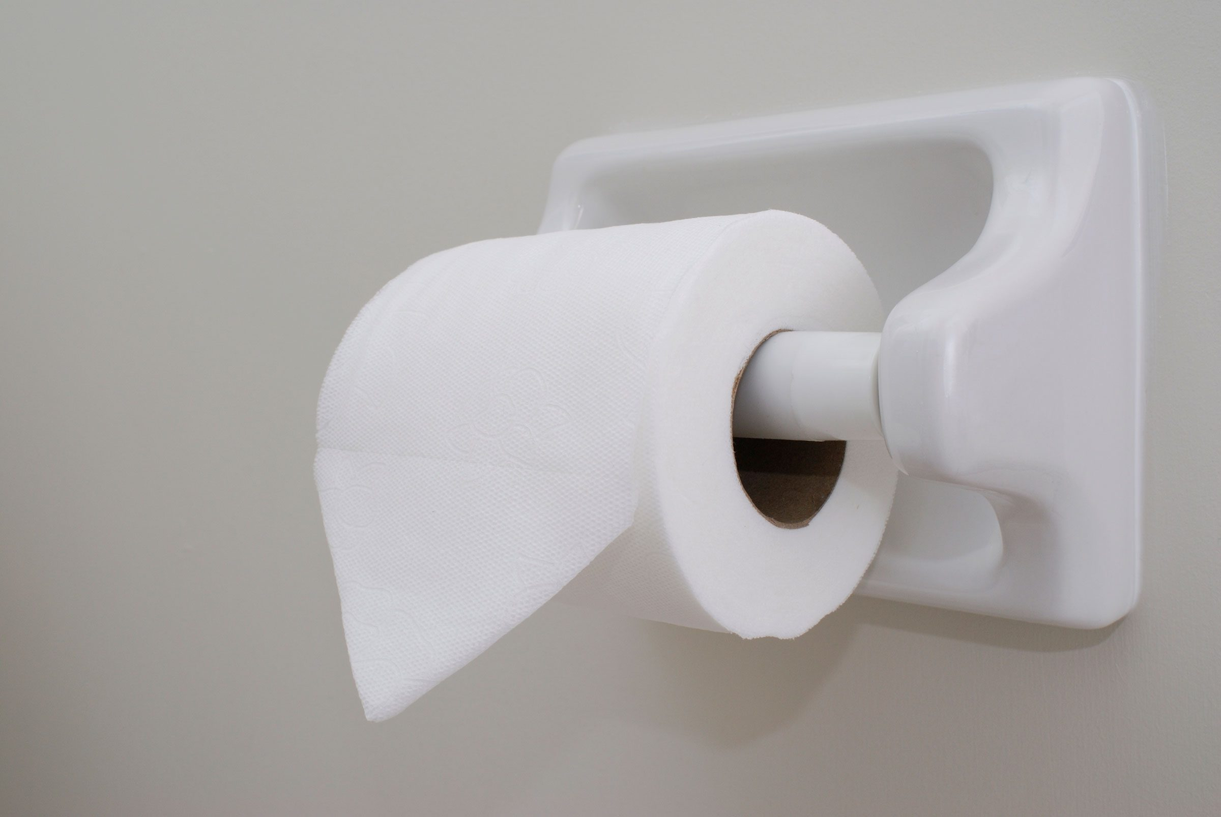 13 things your house cleaner wont tell you toilet paper