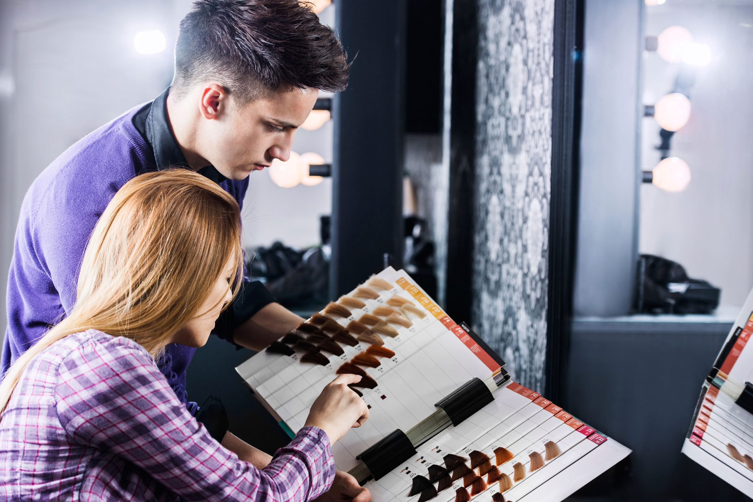 Secrets hair stylists wont tell you readers digest do not attempt hairstylist speak solutioingenieria Image collections