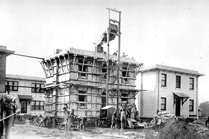 thomas-edison-cement-house