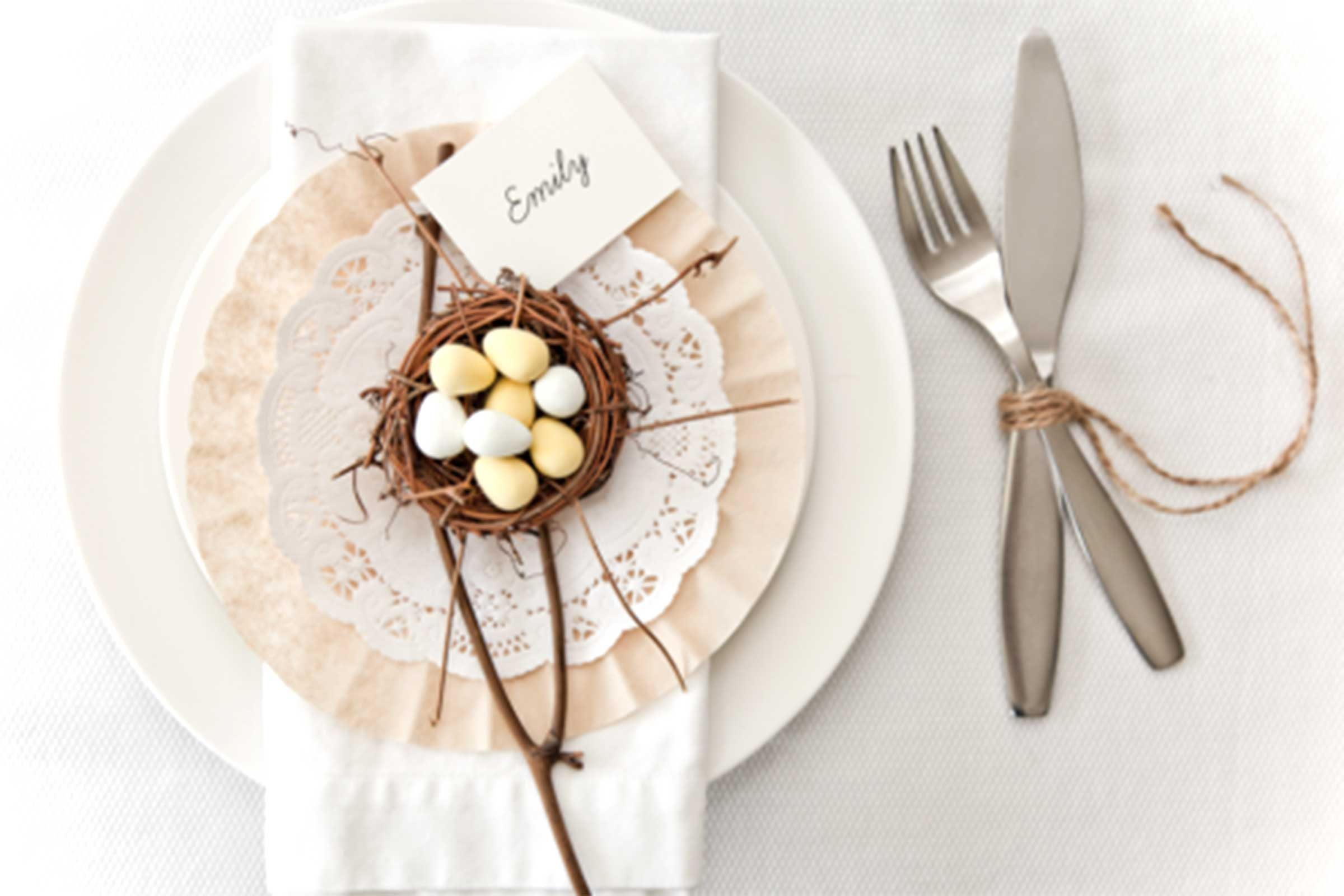 Nest Table Settings & Easter Crafts to Brighten Any Home | Readeru0027s Digest