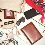 12 Items You Shouldn't Carry in Your Purse