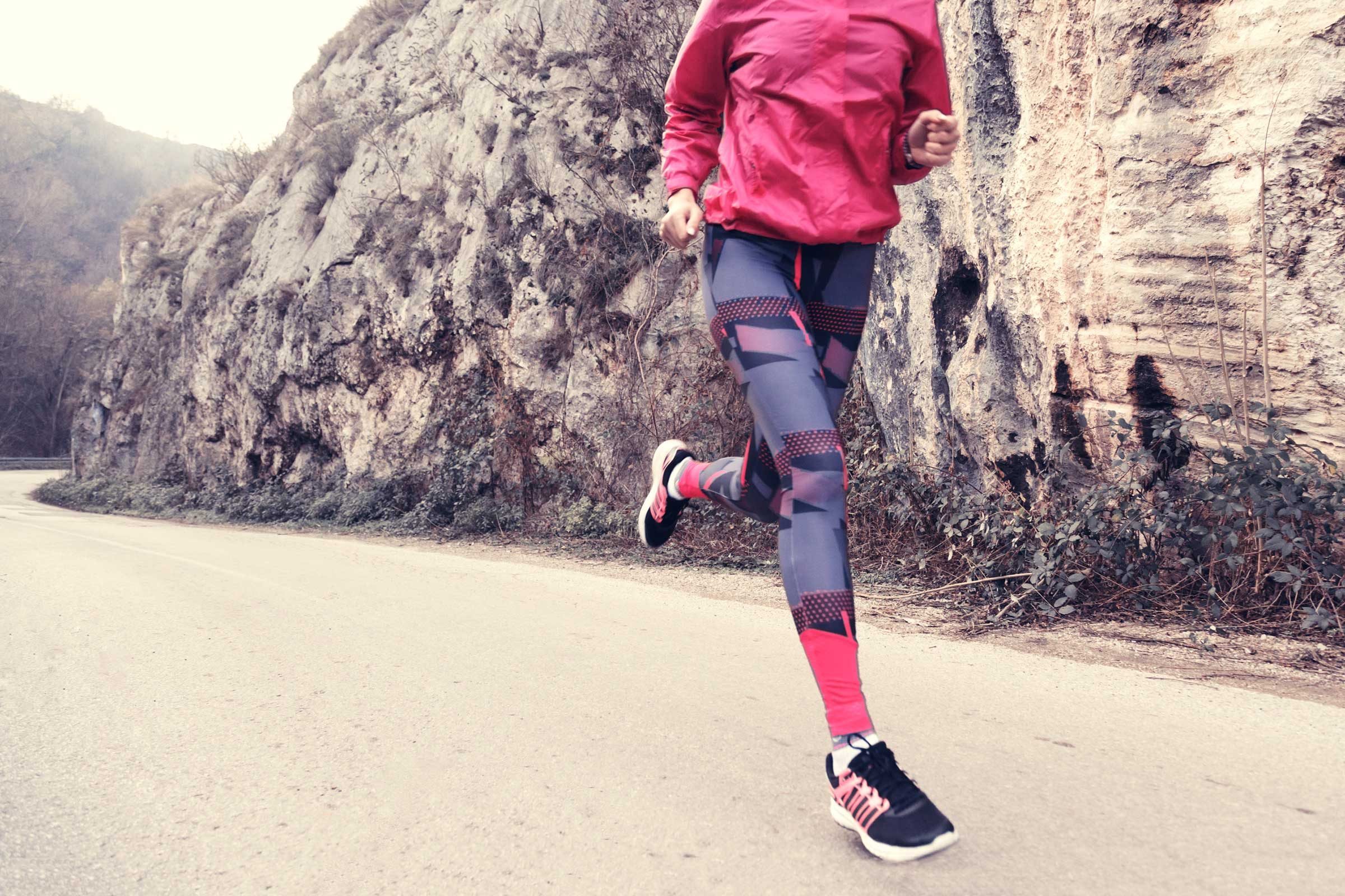 731249f622 How Leggings and Tight Clothes Cause Health Issues | Reader's Digest