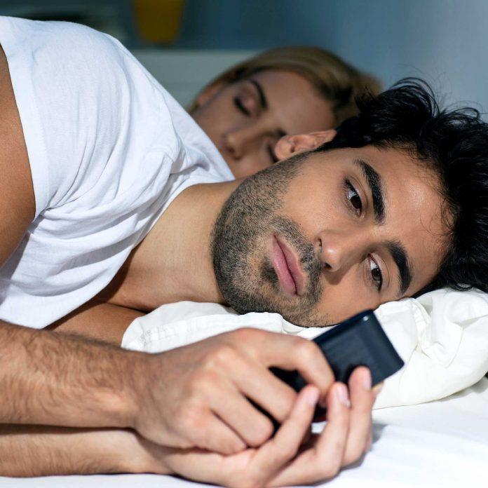 12 Subtle Signs You've Got a Cheating Spouse