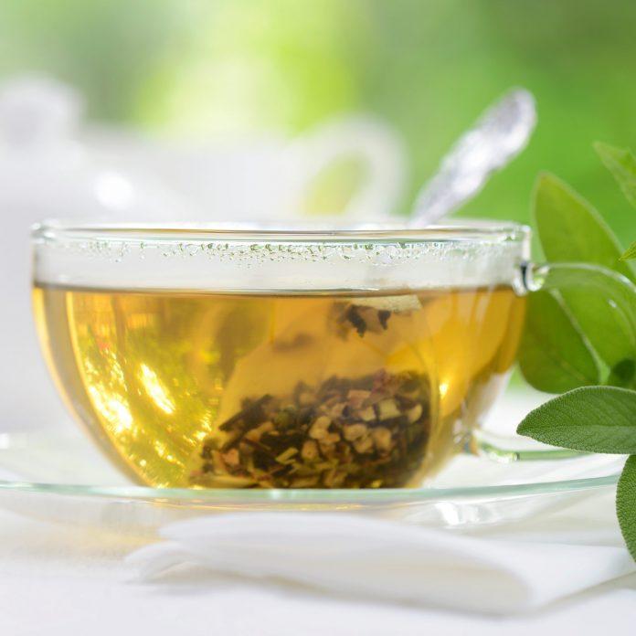 Sore Throat Remedies: 16 Natural Gargles