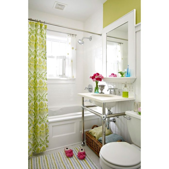 Mini Bathroom Makeovers You Can Pull Off In a Weekend