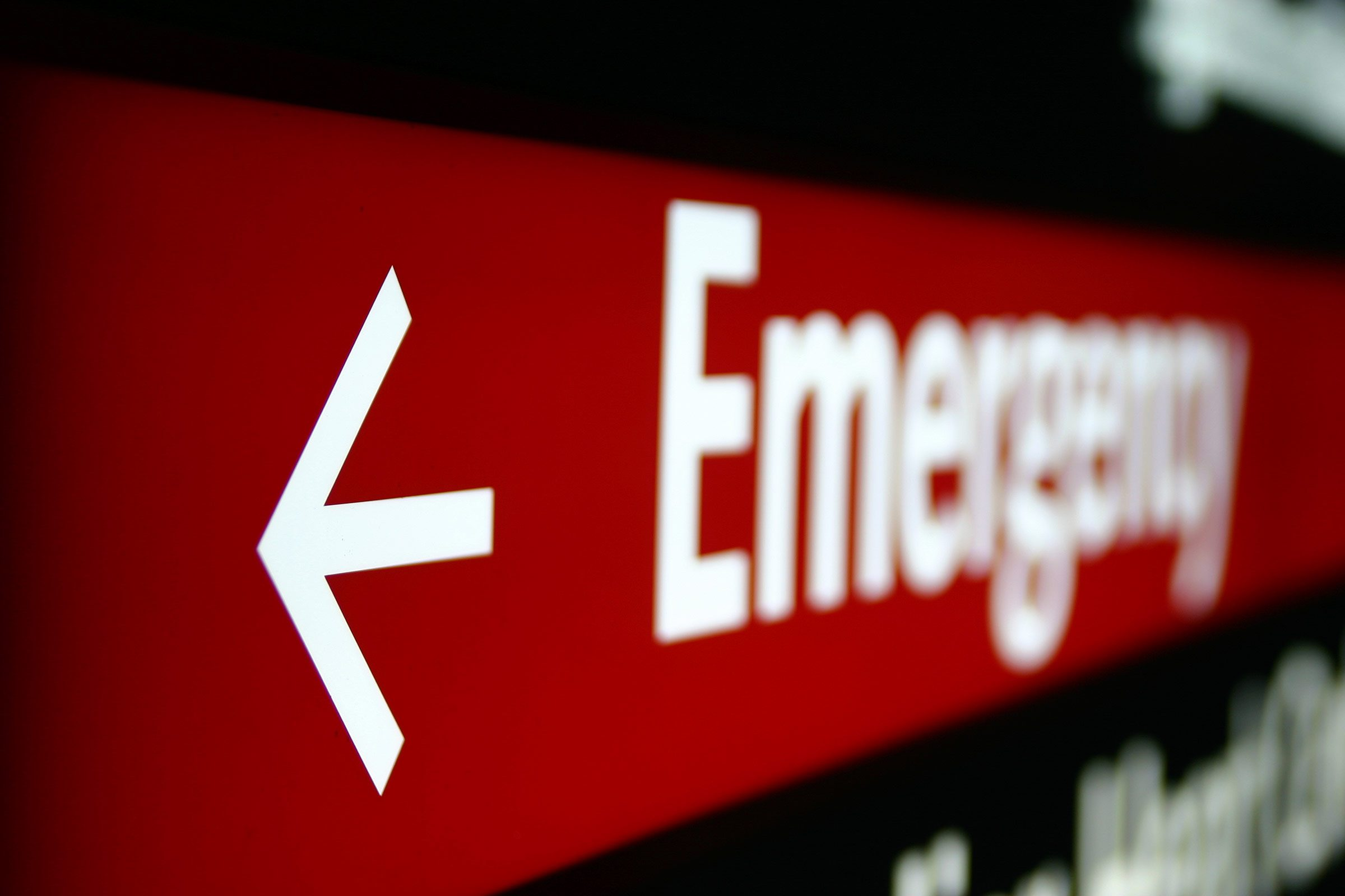 Doctors confess 10 ways you can screw up in the er readers digest signs handle emergency emergency room sciox Images