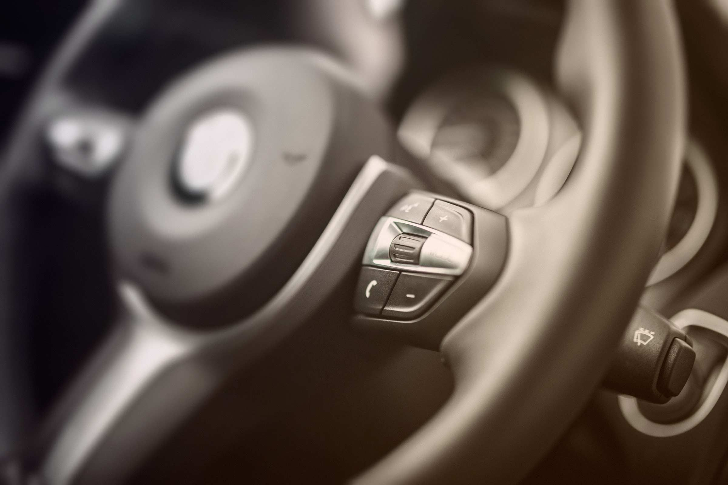 7 summer car tips every driver should know readers digest scorching steering wheel biocorpaavc Images