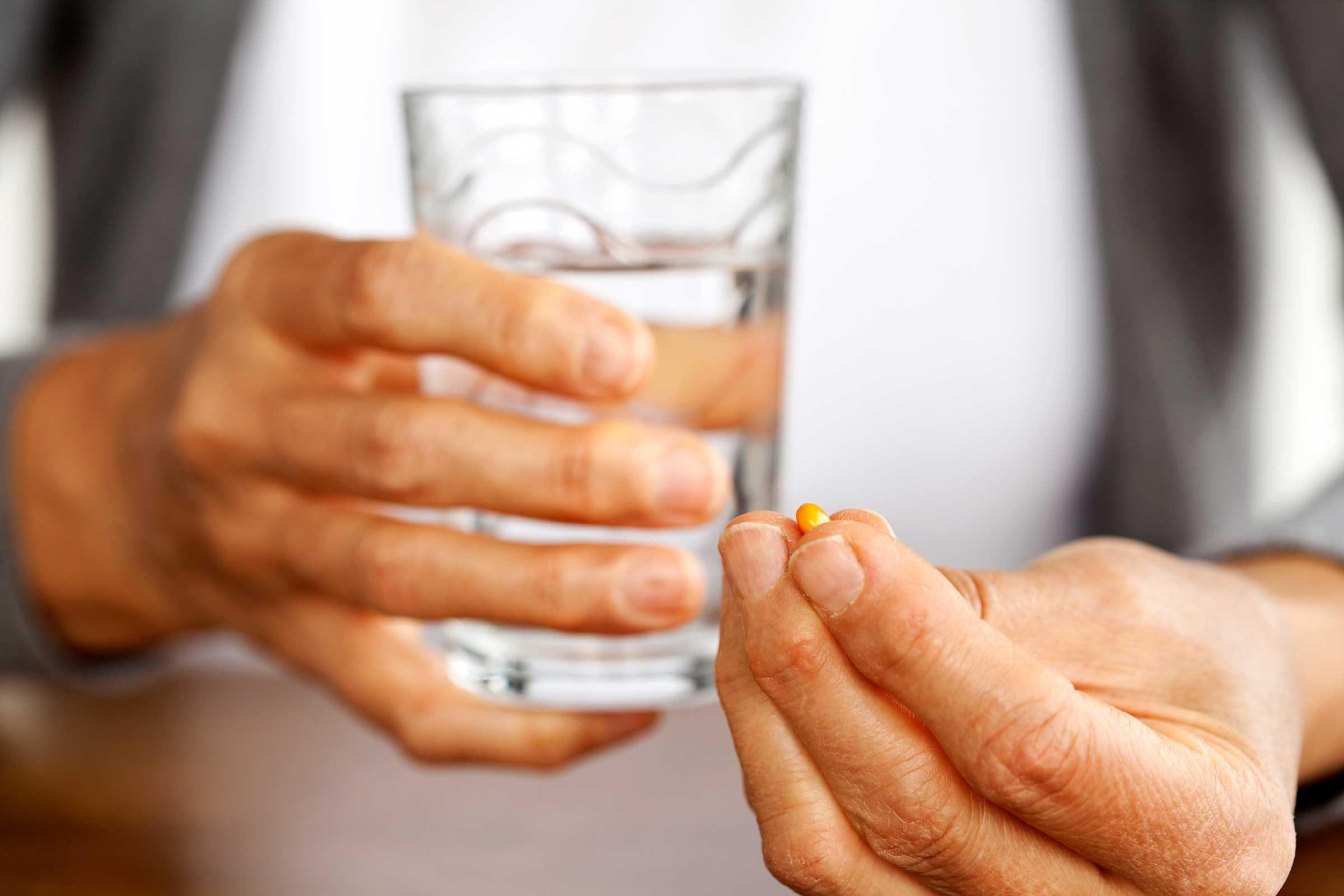 How Much Water Should You Drink With Antibiotics
