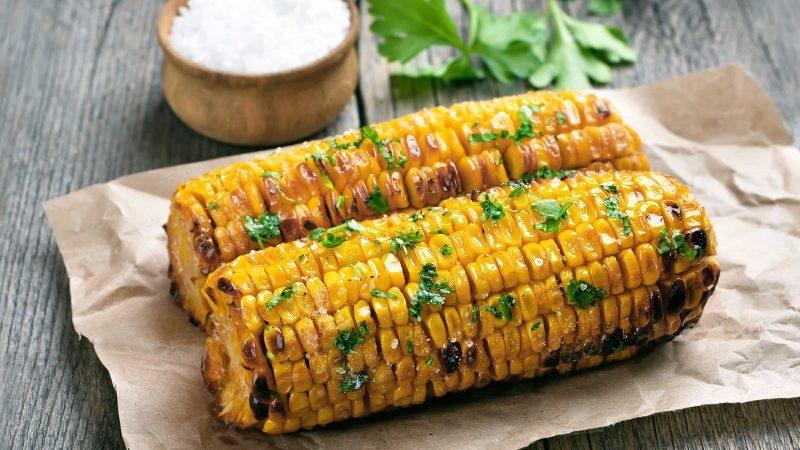 summer hacks corn on the cobb