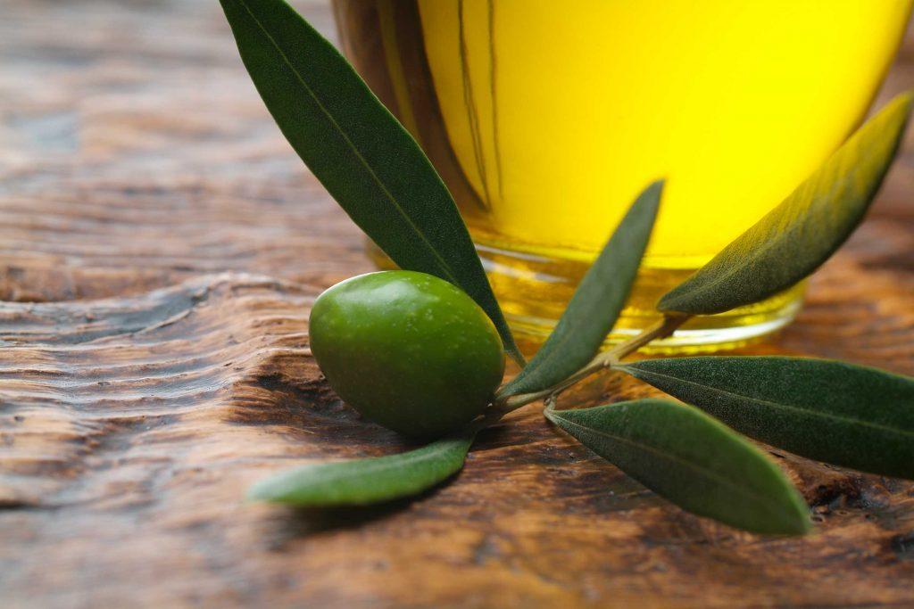 04-foods-bug-bites-olive-oil