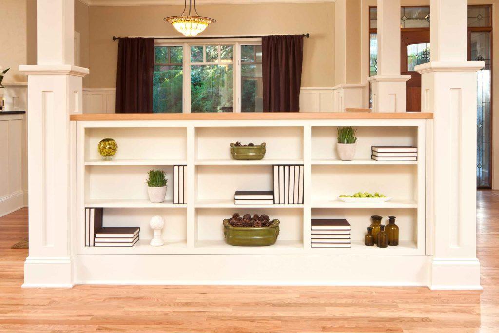 how to decorate a bookshelf 8 expert tricks reader 39 s digest. Black Bedroom Furniture Sets. Home Design Ideas