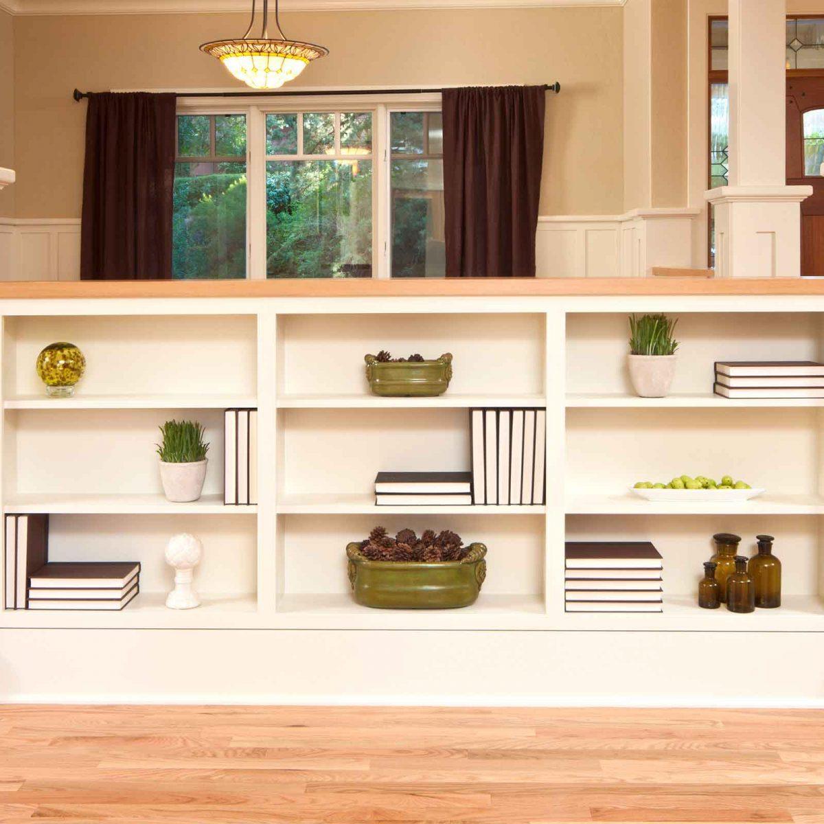 How To Decorate A Bookshelf 8 Expert Tricks Reader S Digest