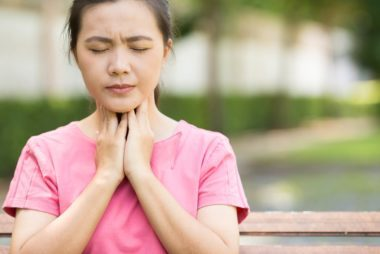 06-6-signs-of-thyroid-cancer-you-should-never-ignore-474959053-CHAjAMP