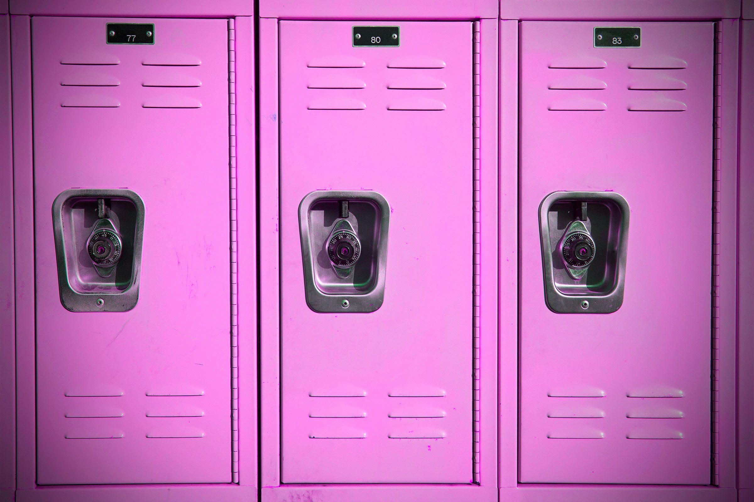 06-mind-tricks-pink-lockers