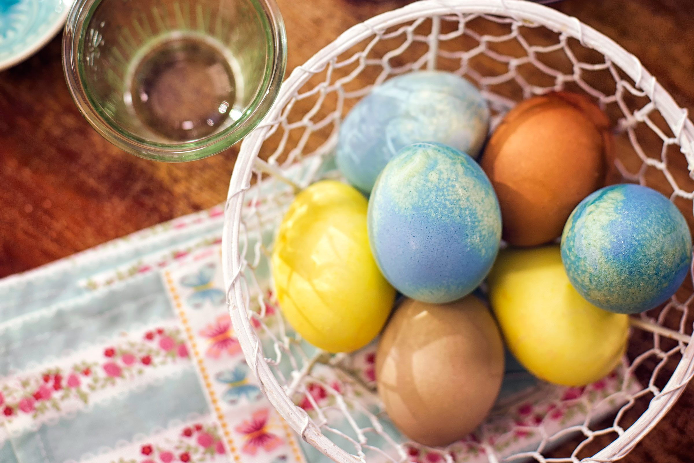 surprising use coffee egg dye