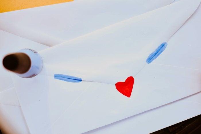 seal an envelope life hacks nail polish uses