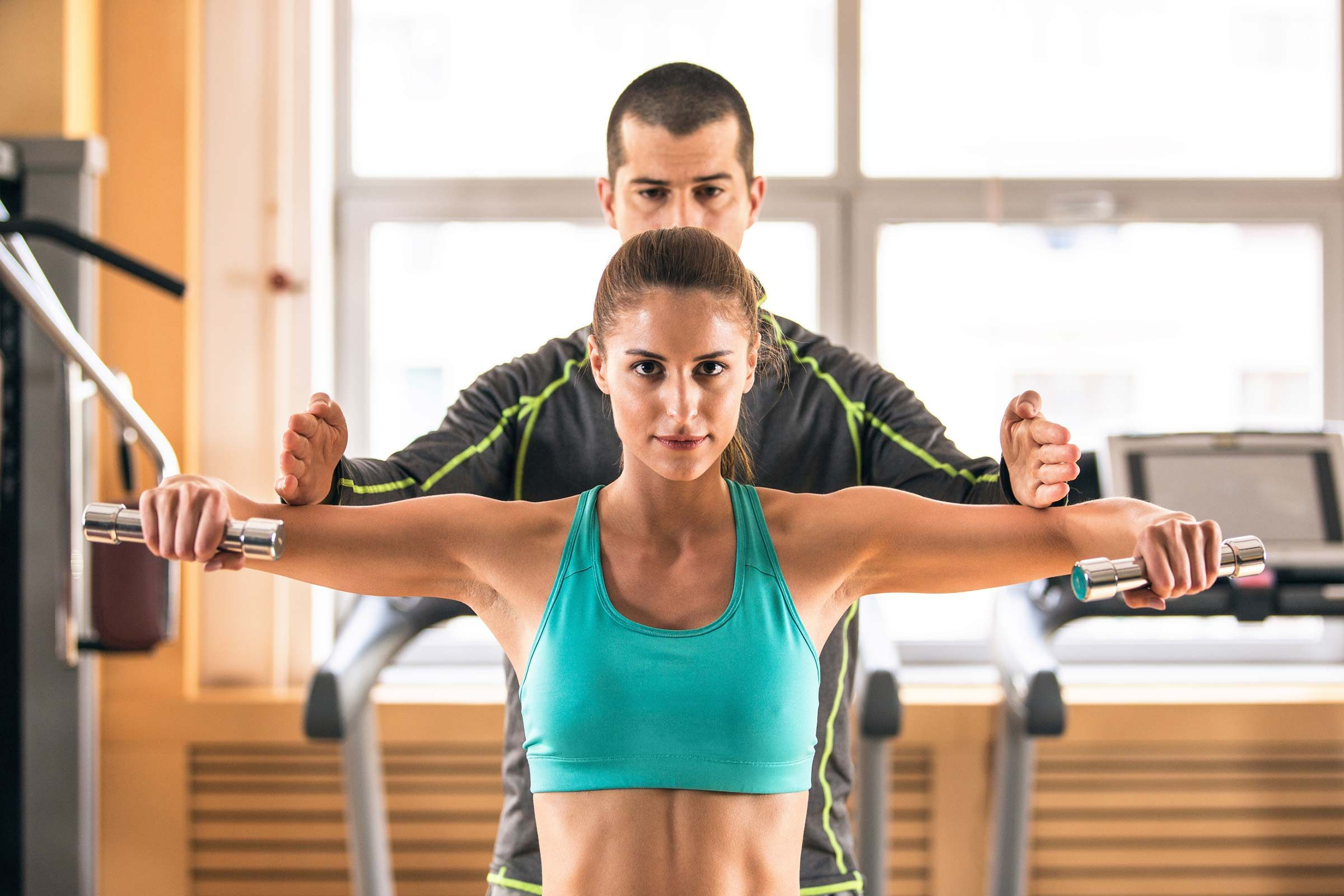 Certified Personal Trainer Gives Best Fitness Training to All Customers